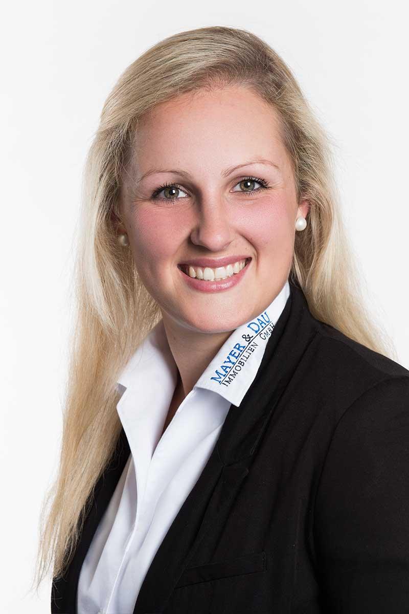 Katja-Steinhausen_Portrait